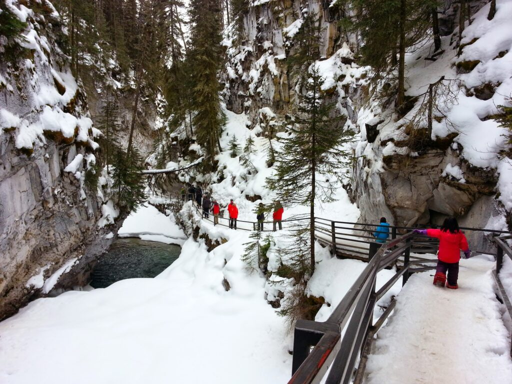 Johnston-Canyon-Banff-winter