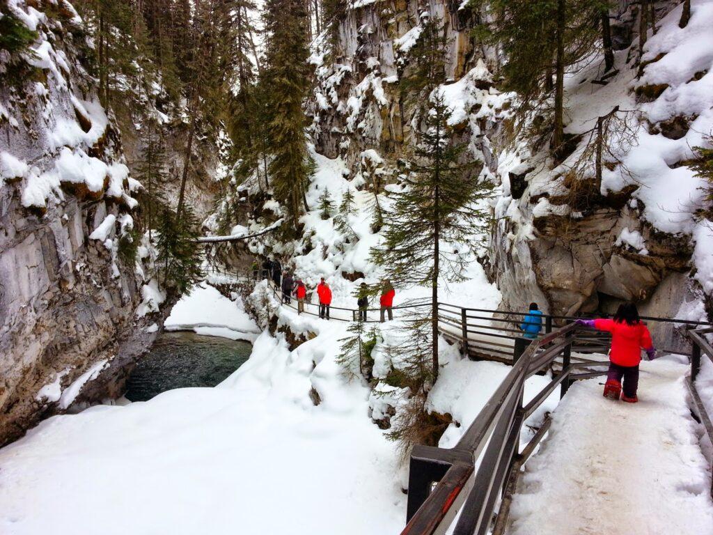 Johnston-Canyon-catwalk-banff