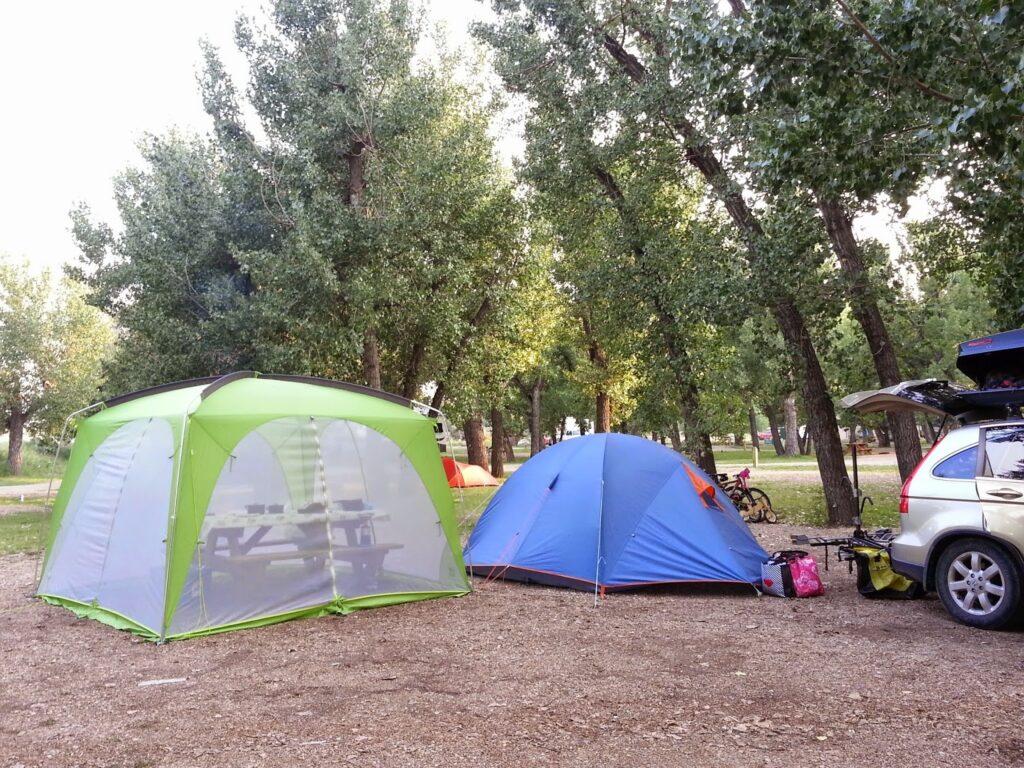 MEC-Wanderer-4-Tent-and-Hootenanny-Bug-House