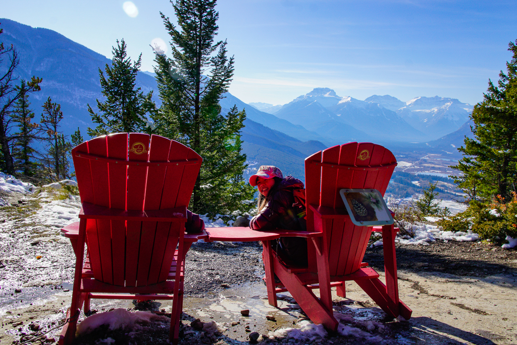 tunnel-mountain-banff-red-chairs
