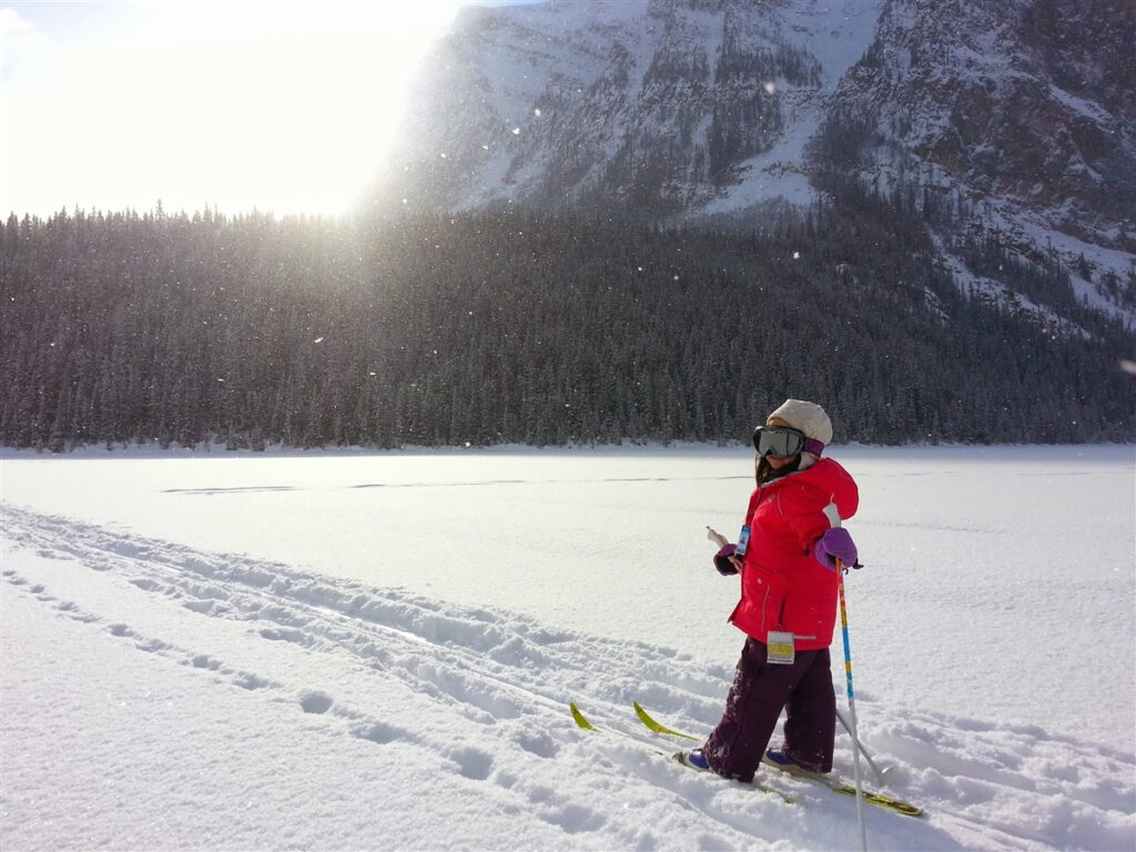 cross-country-ski-lake-louise