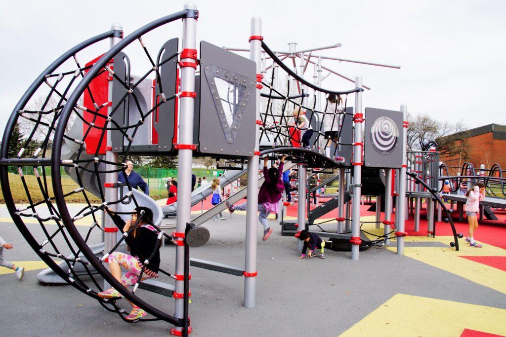 shouldice-park-playground