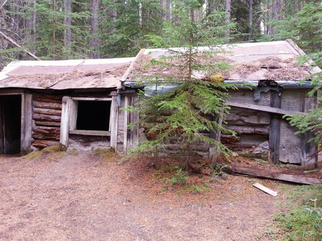 Johnson-Lake-Hermit-Cabin