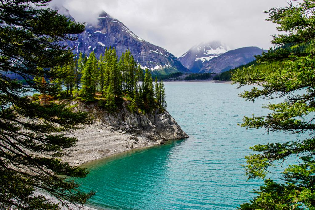 upper-kananakis-lake-peter-lougheed-provincial-park