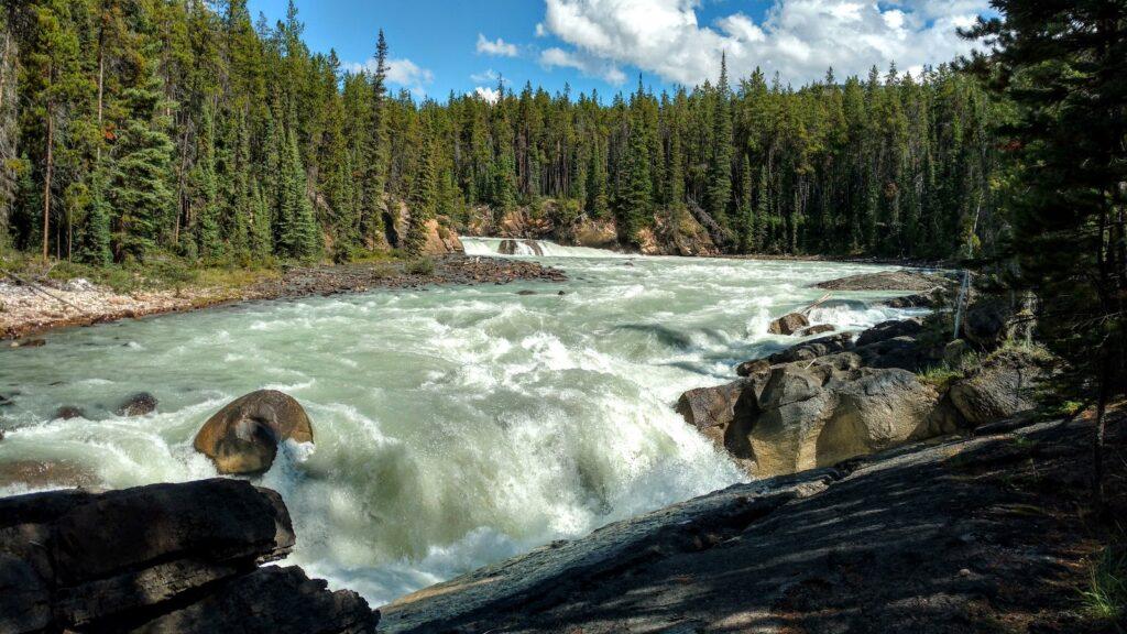 lower-sunwapta-falls-jasper-national-park