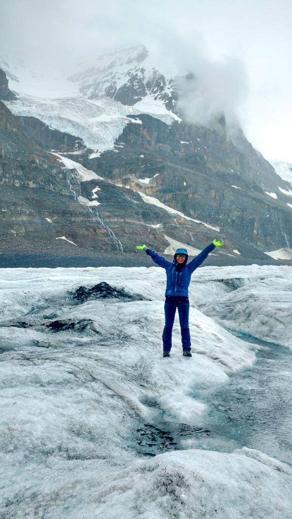 ice-explorer-tour-columbia-icefields-2