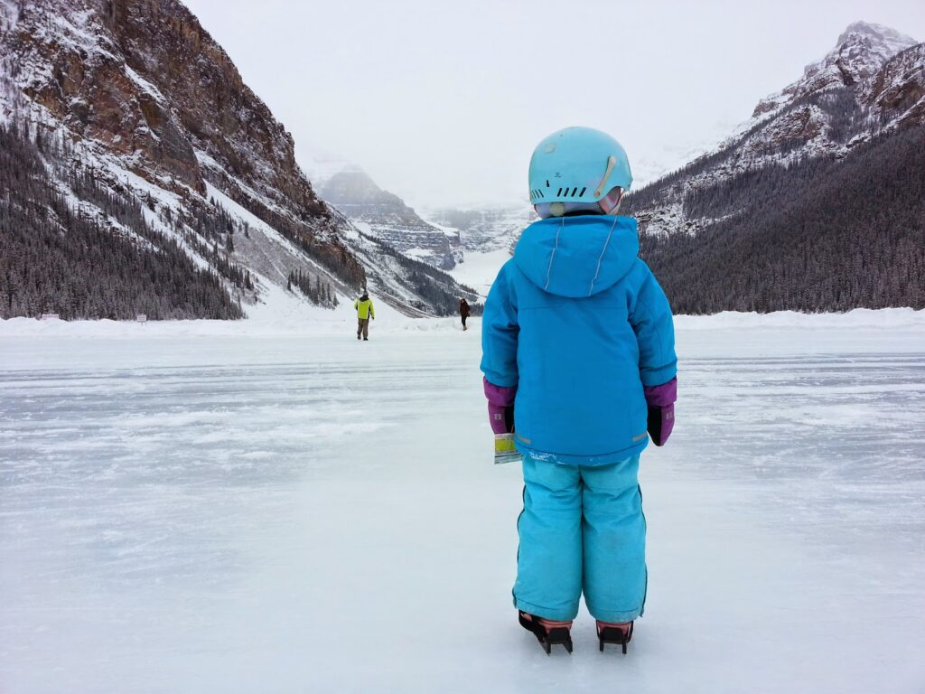 lake-louise-winter