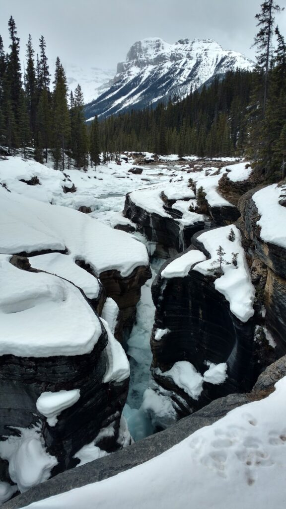 Mistaya-Canyon-Banff