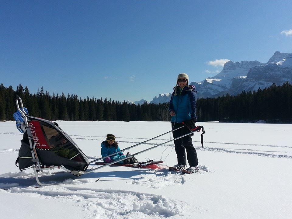 Johnson-Lake-snowshoeing
