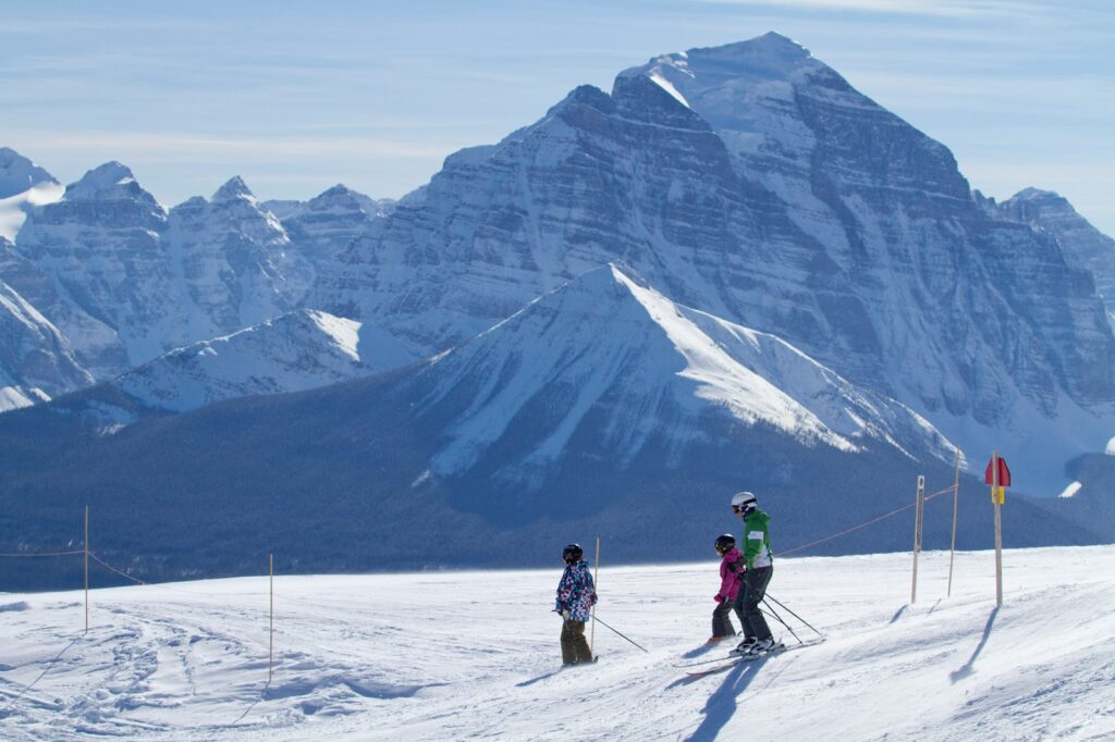 Lake-Louise-Ski-Resort-2