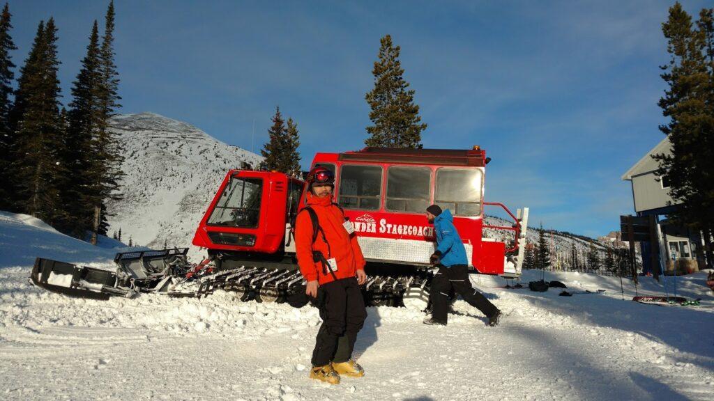 Powder-Stagecoach-SnowCat-1