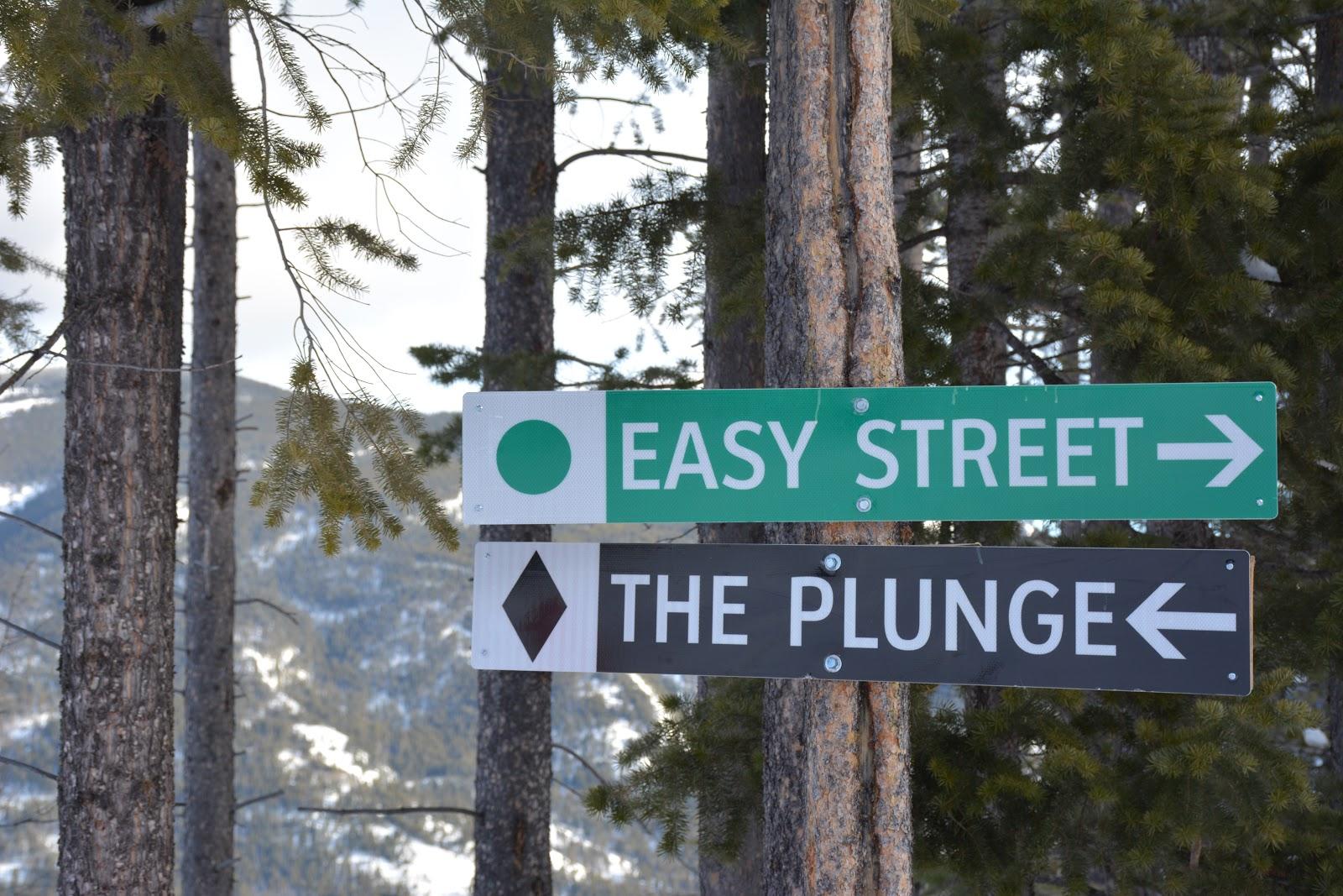 pass-powderkeg-run-sign