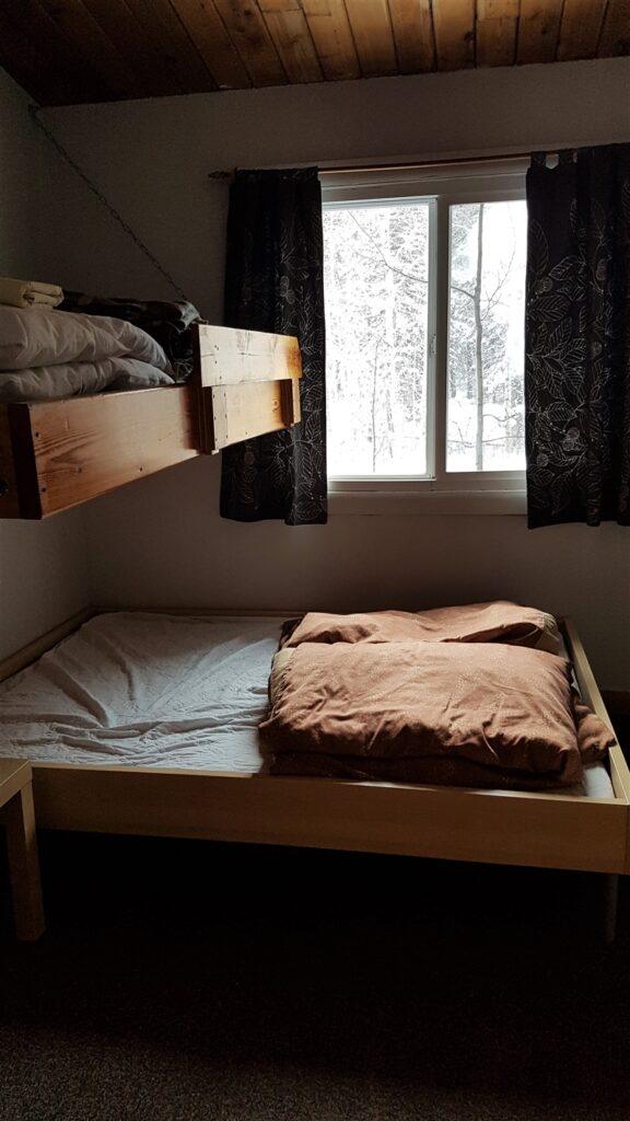 kananaskis-wilderness-hostel-private-room