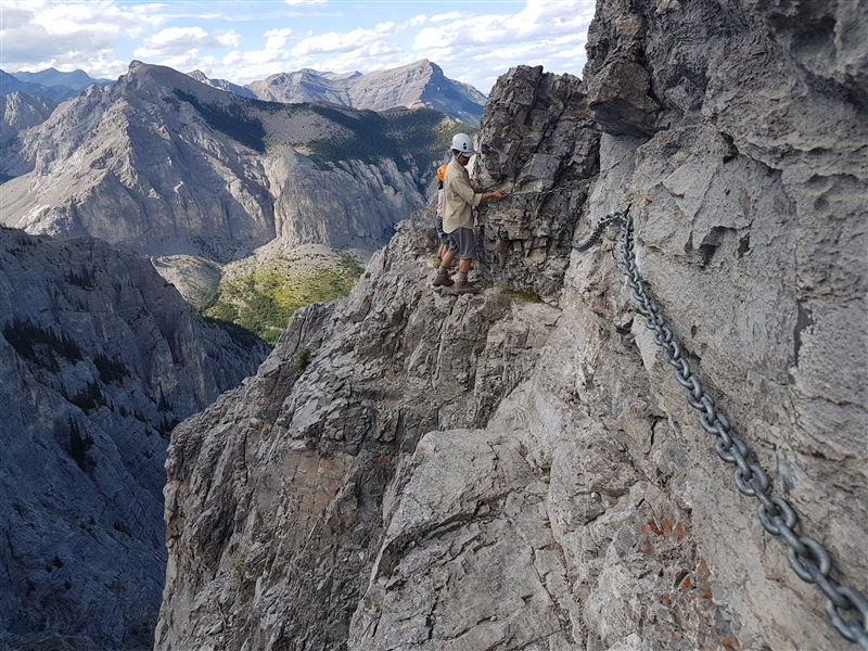 Mount Yamnuska Crux: the chains