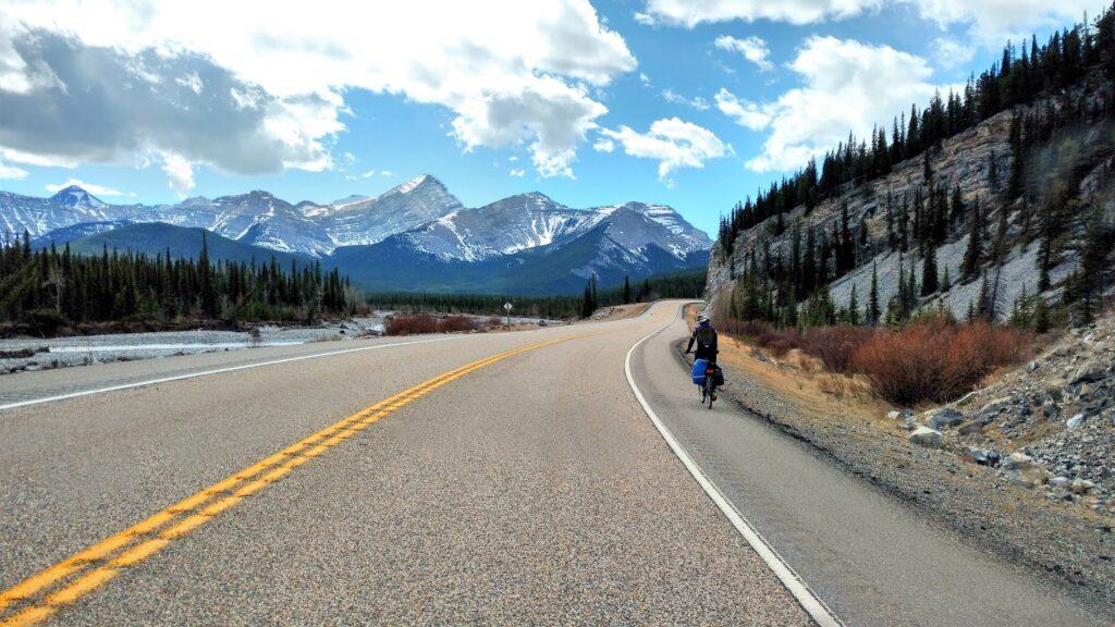 biking-highway-66-elbow-valley