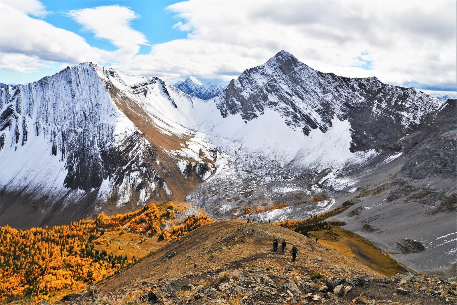 Pocaterra Ridge, Kananaskis in fall