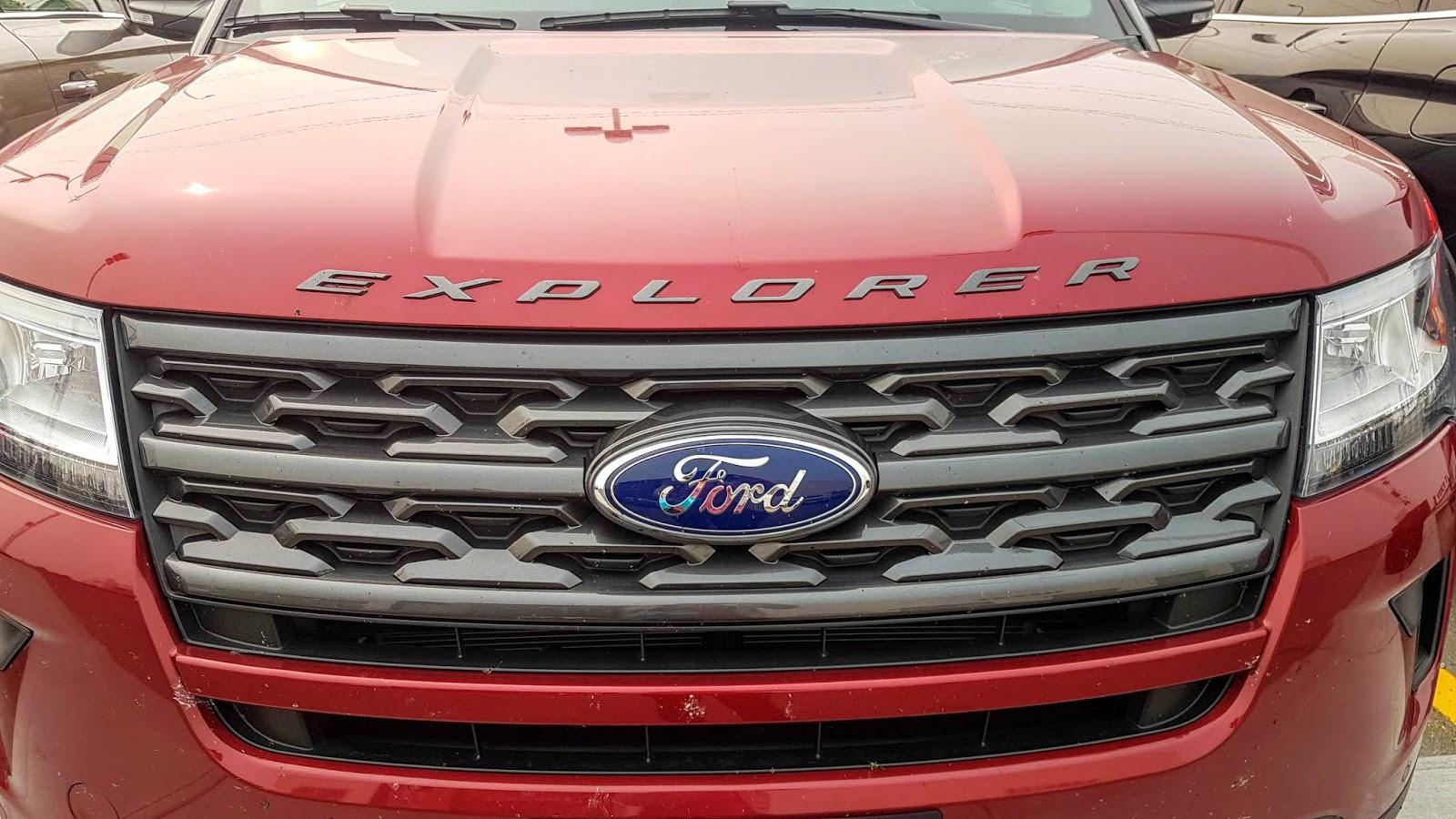 2018 Ford Explorer XLT grille