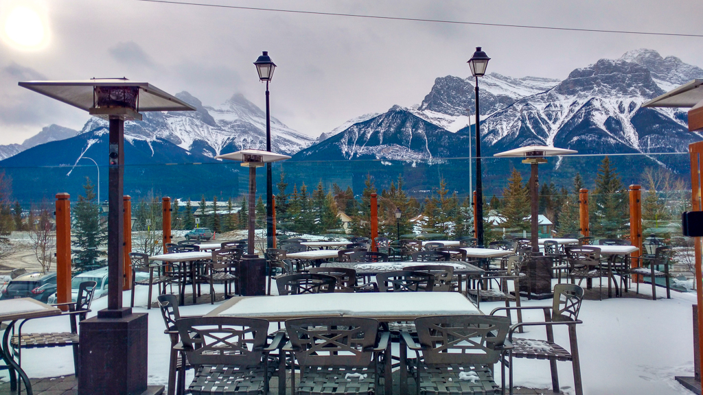 iron-goat-bar-and-grill-canmore