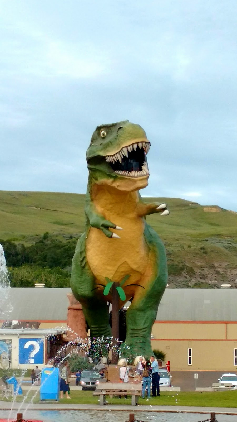 World's Biggest Dinosaur, Drumheller, Alberta