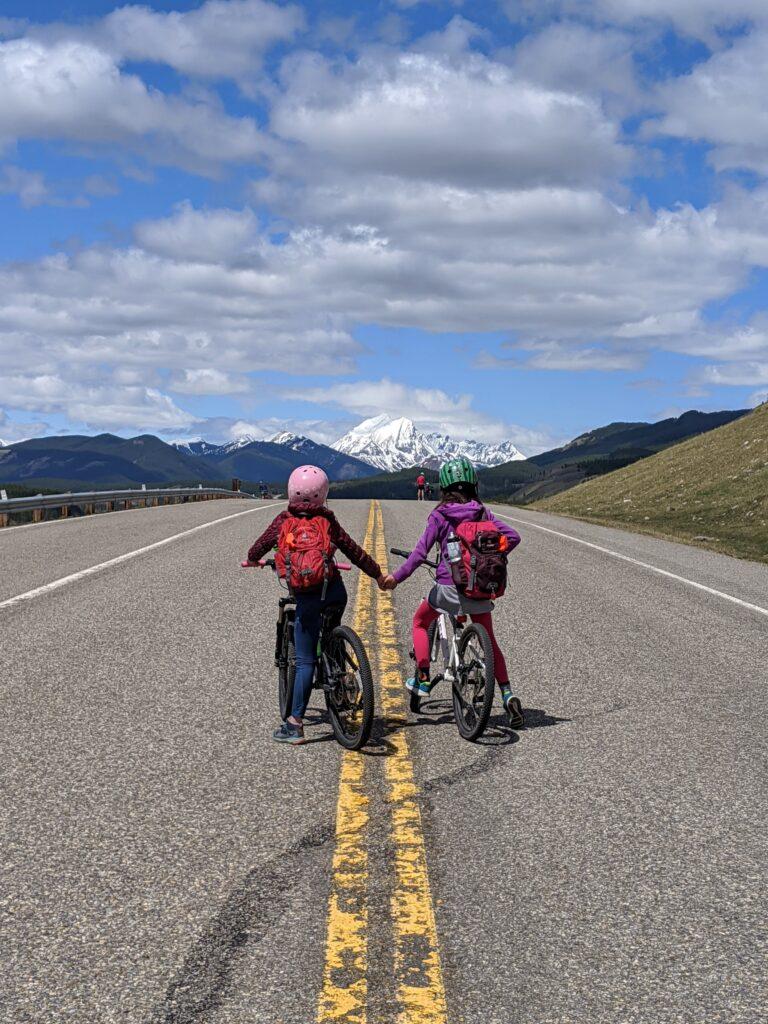 biking-highway-40-kananaskis
