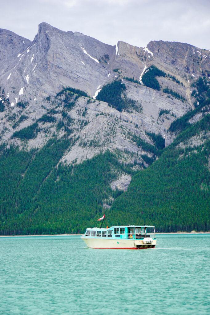lake-minnewanka-lake-cruise-banff