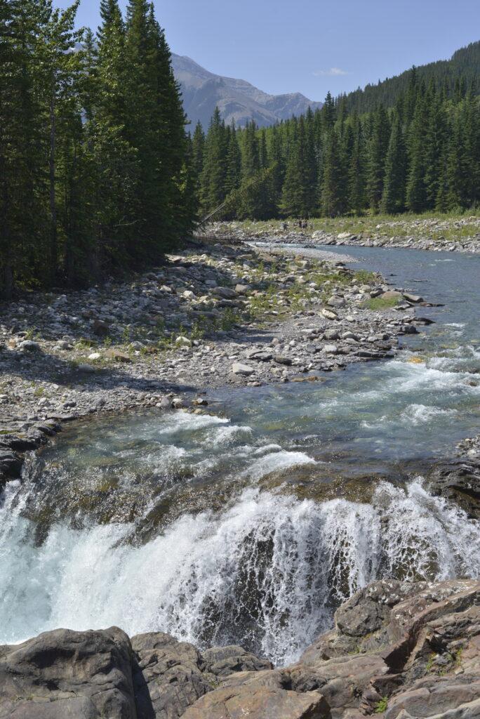 tiger-jaw-falls-sheep-river