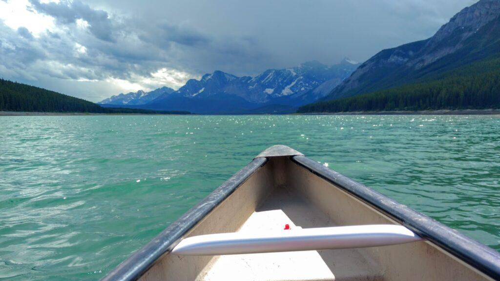 paddling-lower-kananaskis-lake