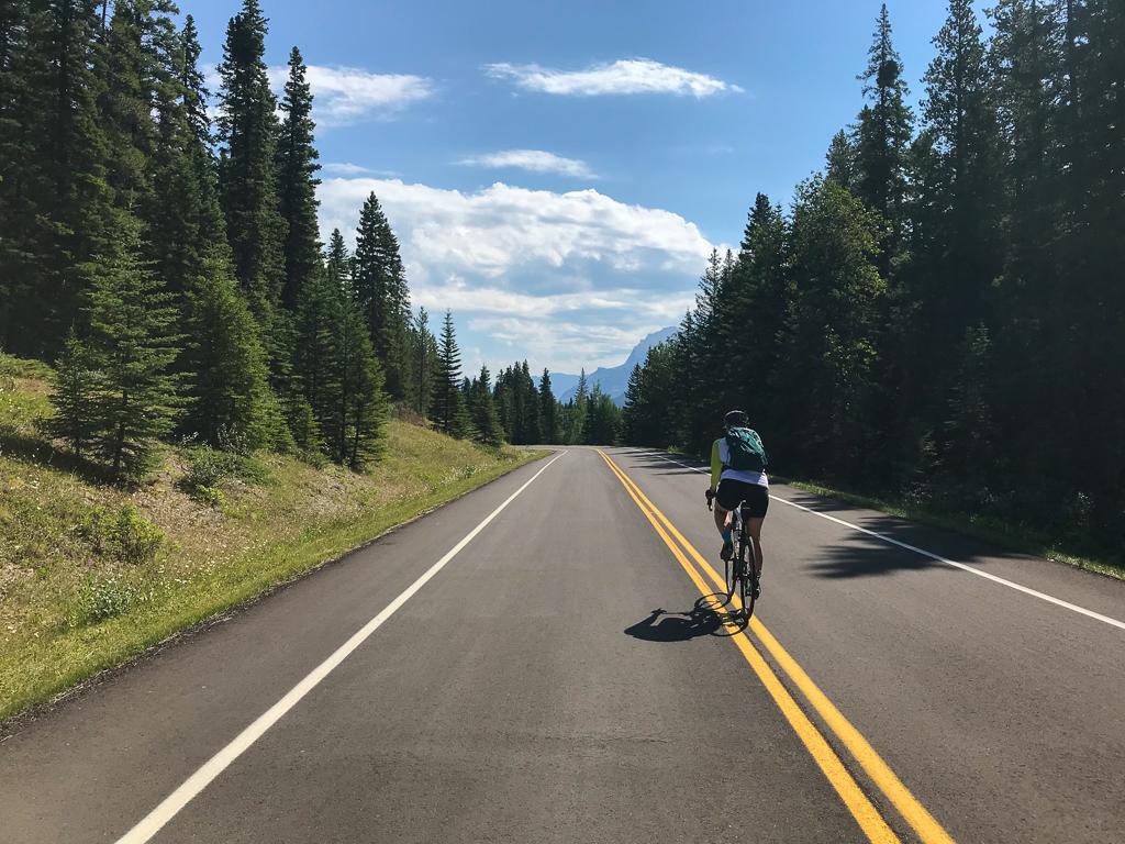 biking-bow-valley-parkway-joanne-elves