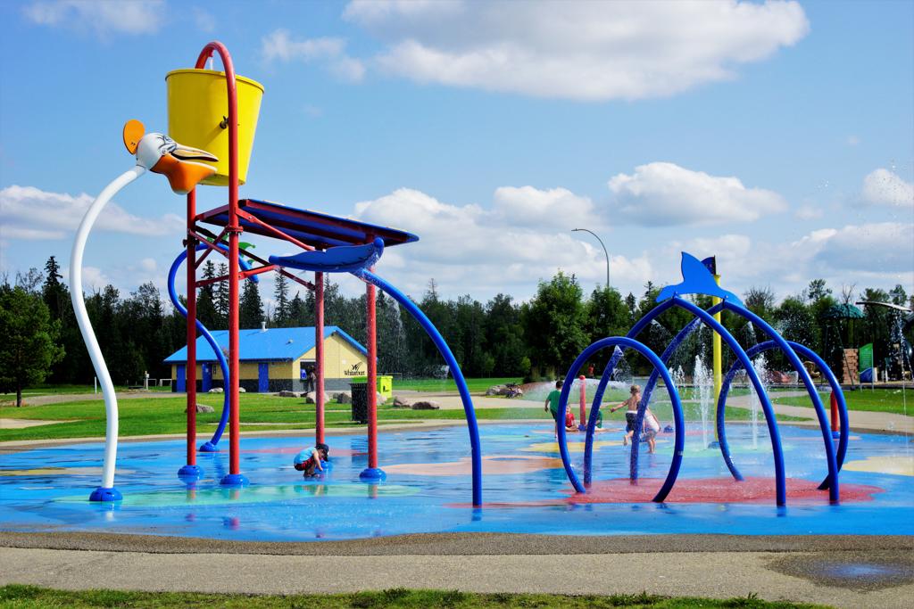 white-court-rotary-park-spray-park