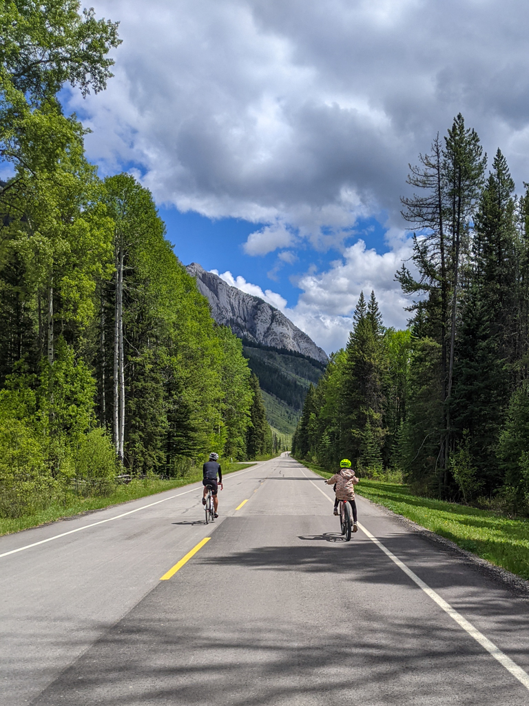 banff-cycle-ebike-tour-20