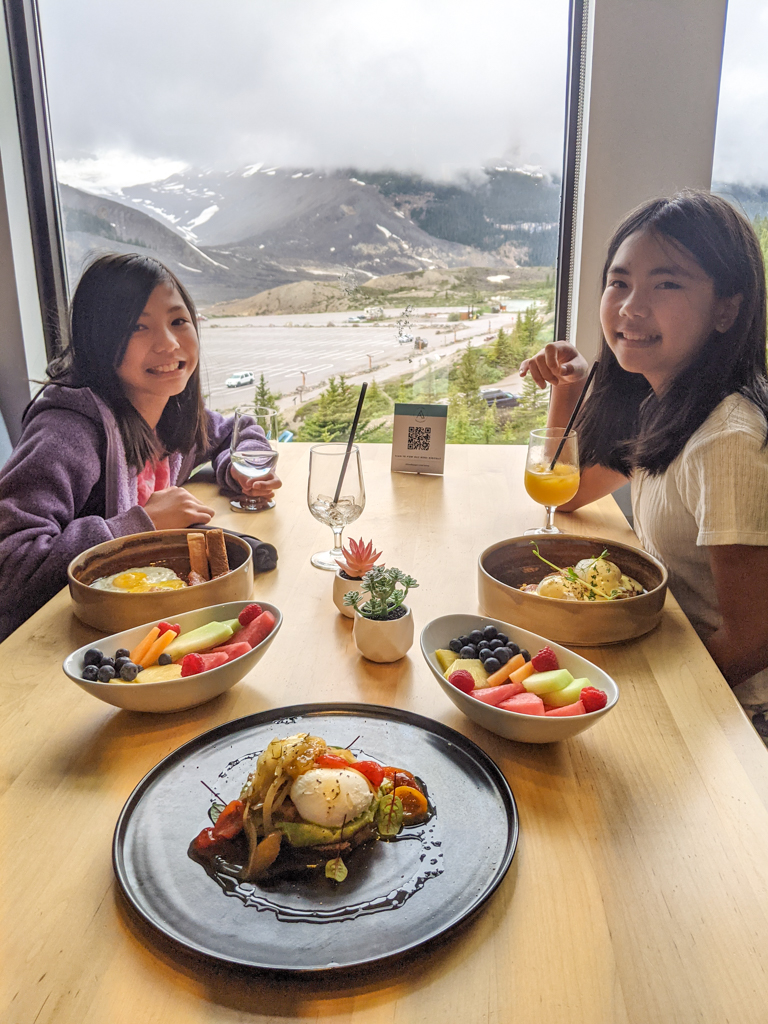 altitude-restaurant-glacier-view-lodge-jasper-21 (2)