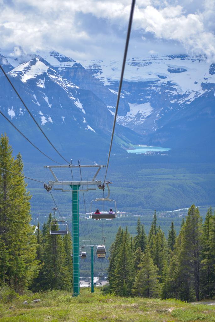 lake-louise-summer-sightseeing-gondola-27