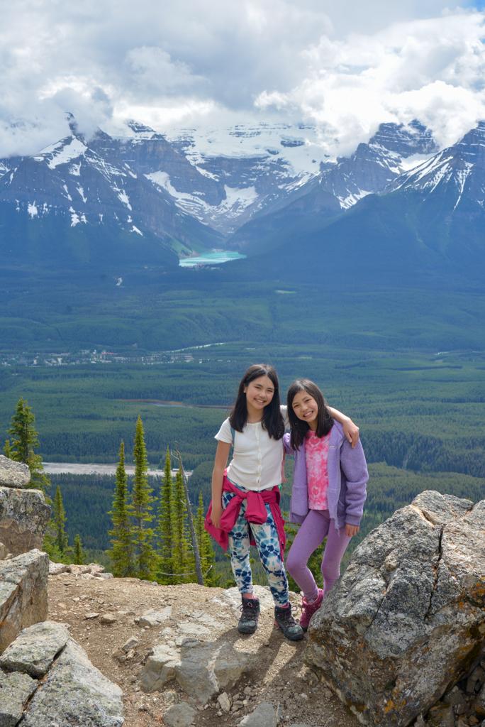 kicking-horse-viewpoint-lake-louise-summer-sightseeing-gondola-31
