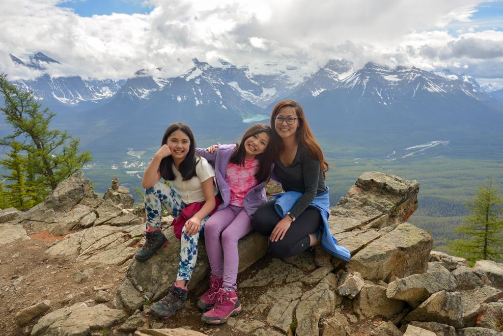 kicking-horse-viewpoint-lake-louise-summer-sightseeing-gondola-35