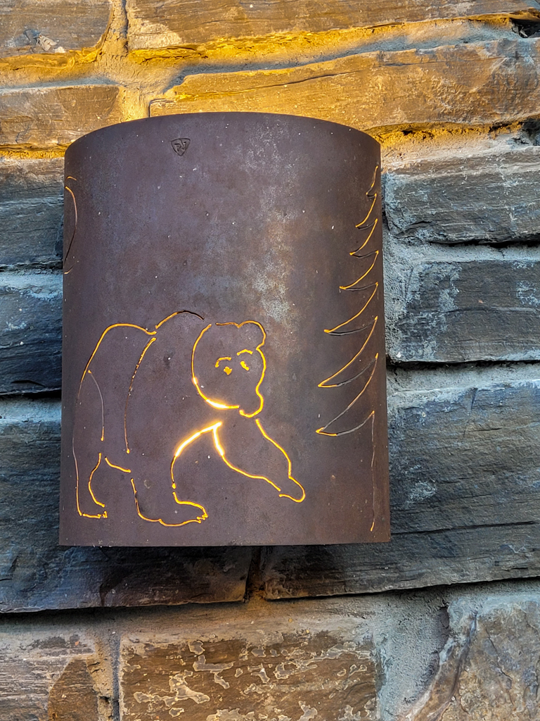 a-bear-and-bison-inn-canmore-17