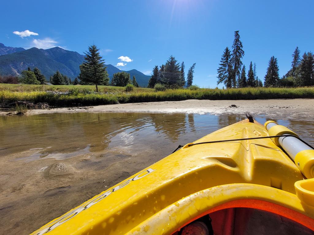 fairmont-hot-springs-resort-guided-kayak-tour-1