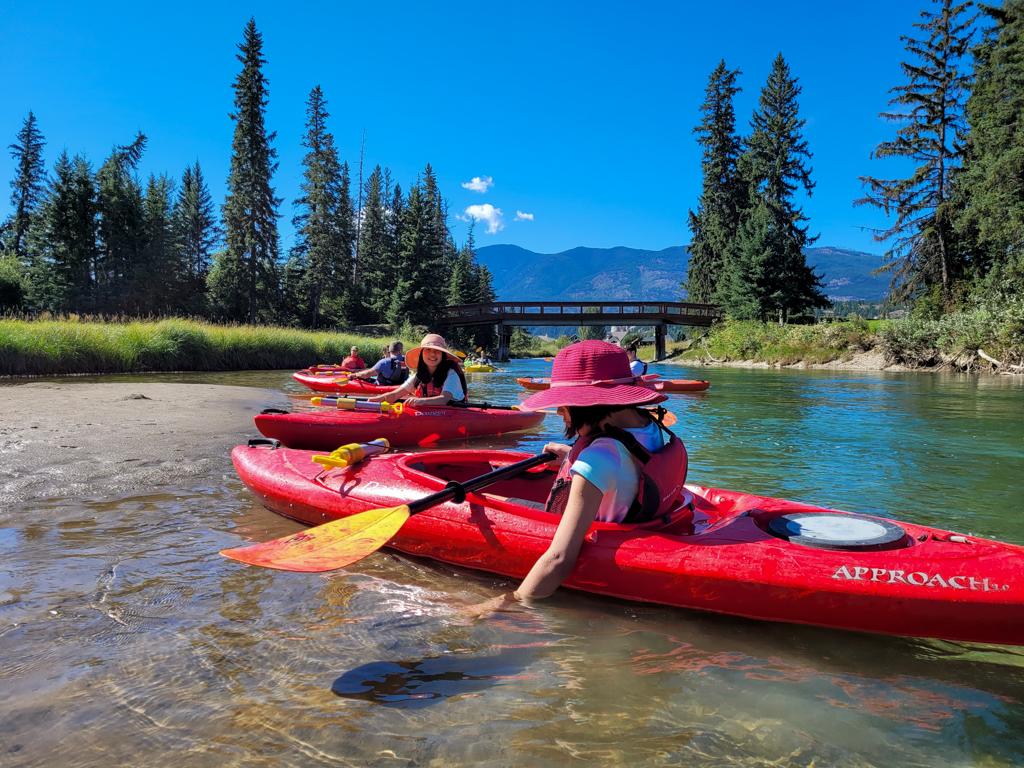 fairmont-hot-springs-resort-guided-kayak-tour-2