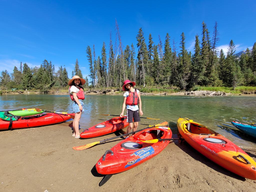 fairmont-hot-springs-resort-guided-kayak-tour-3