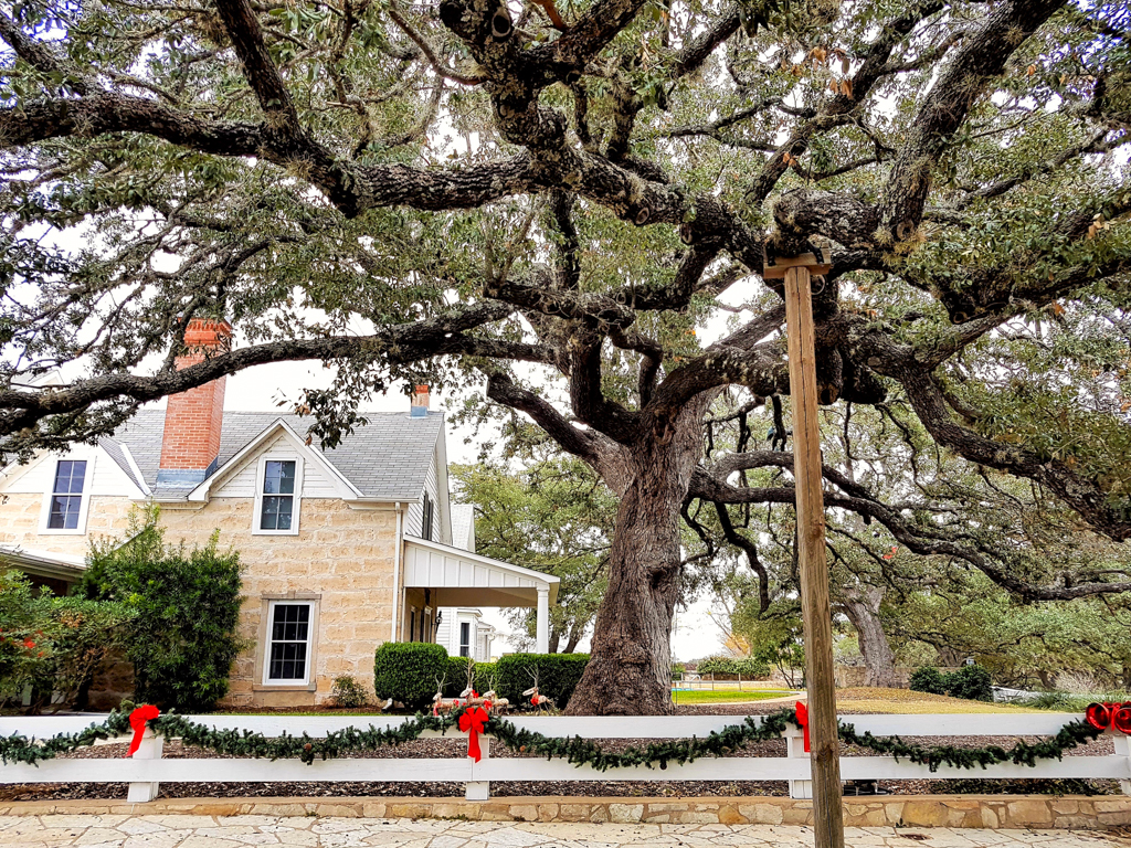 texas-whitehouse-fredericksburg-texas-rsz-17